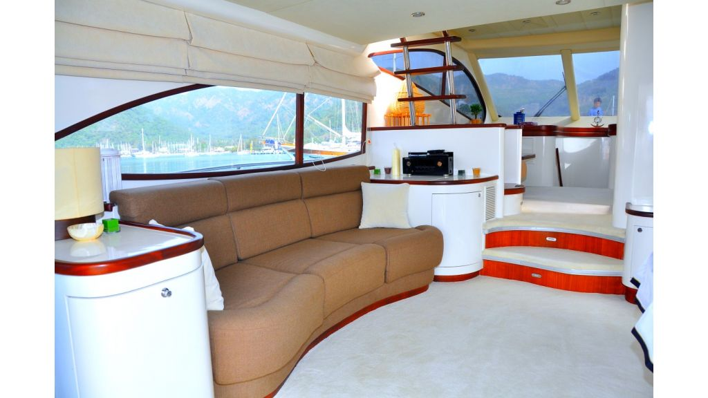 Laminated Motoryacht (1)