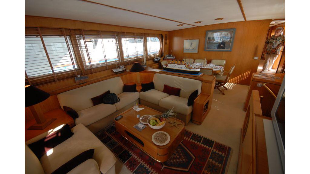 Kia Ora C motor yacht master