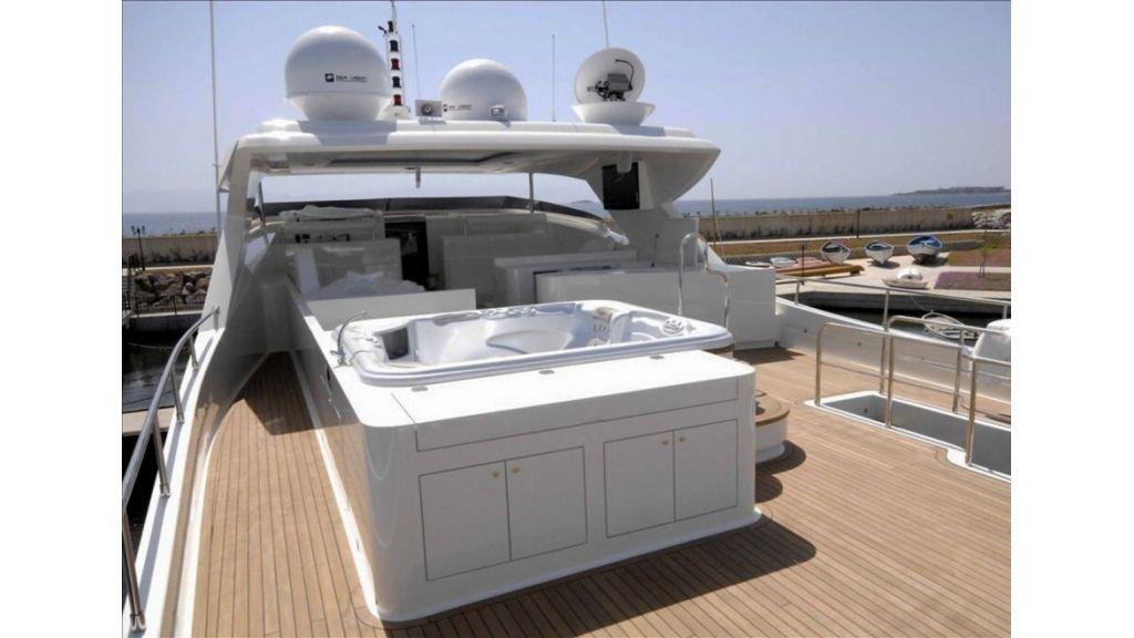 White Motoryacht (42)