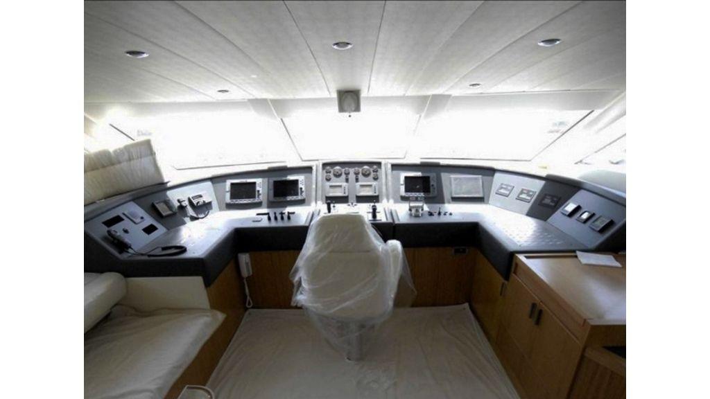 White Motoryacht (45)