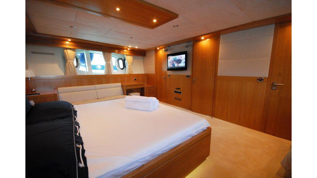 White Motoryacht (61)