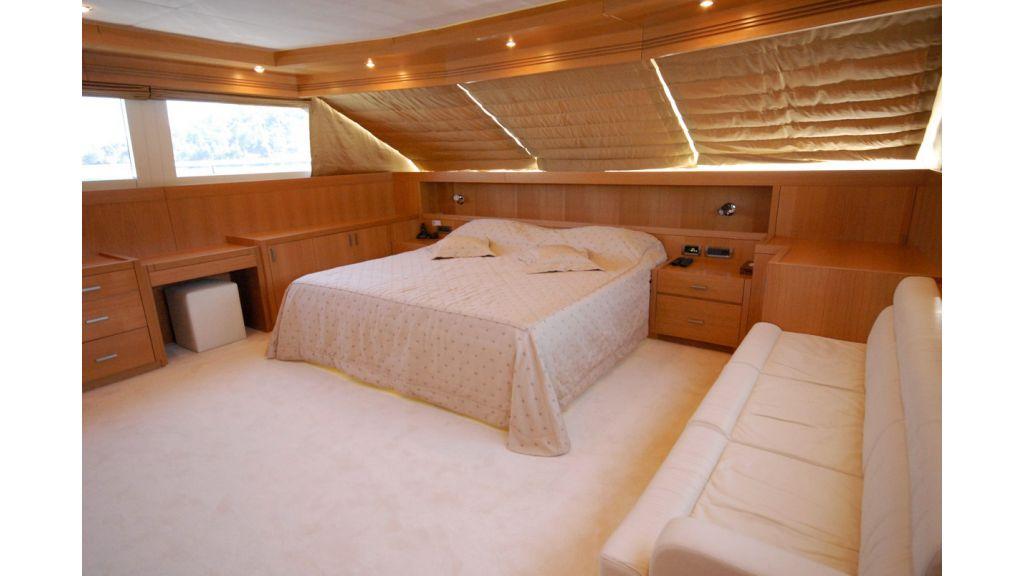 White Motoryacht (71)