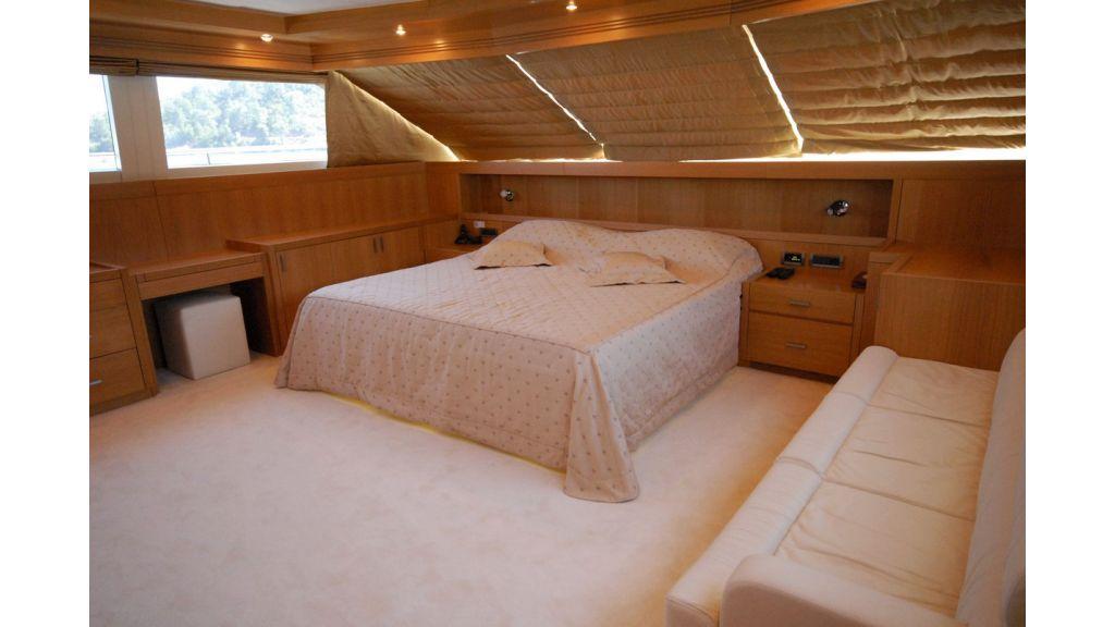 White Motoryacht (72)