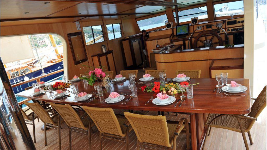 Kimbu 7 Cabins Gulet Charter master