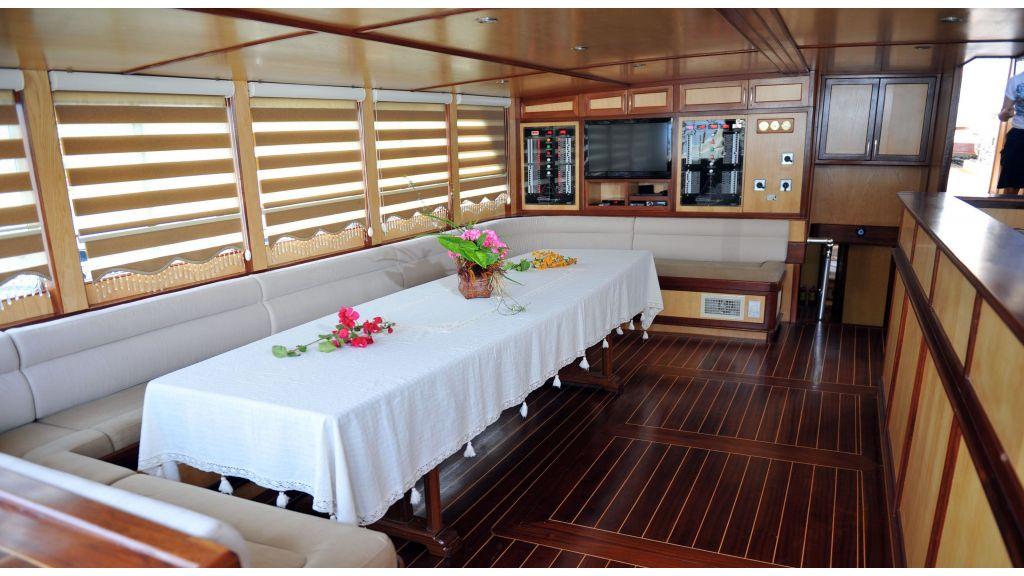 Kimbu 7 Cabins Gulet master
