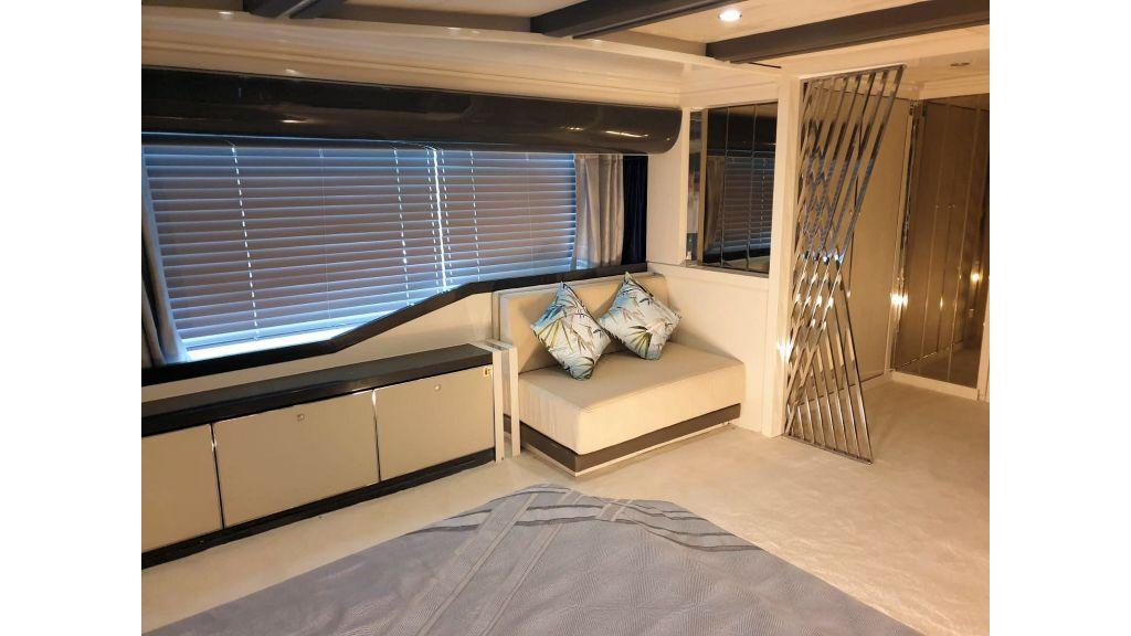 Vetro Motor Yacht Aft Cabin 27