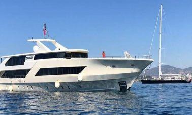 Vetro Motor Yacht - All Master