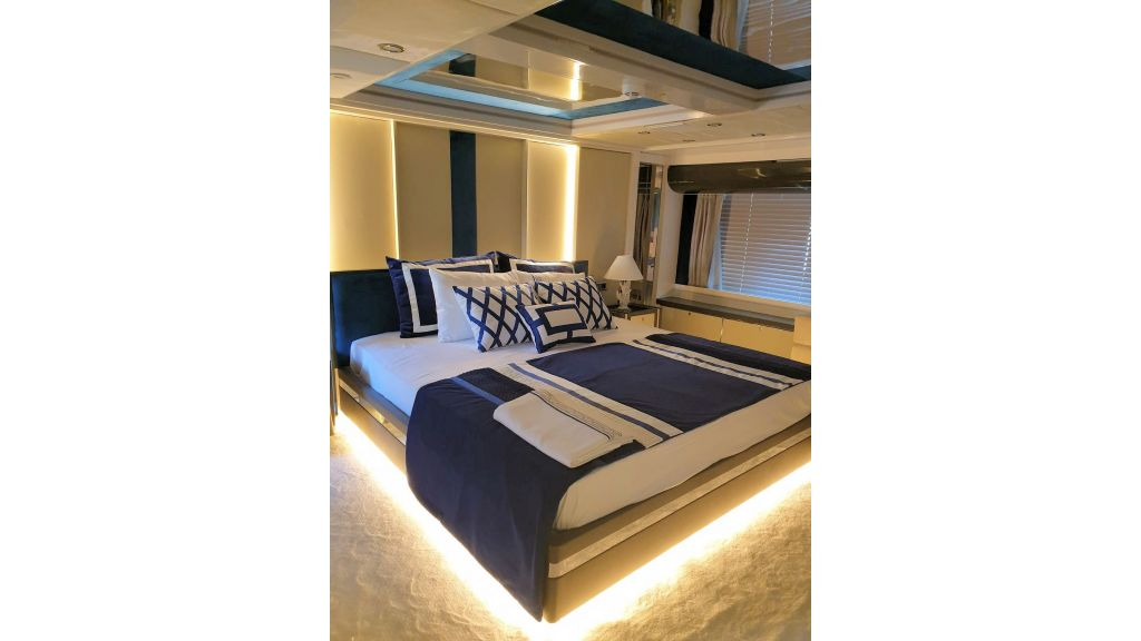 Vetro Motor Yacht Lower Deck Aft Cabin 79