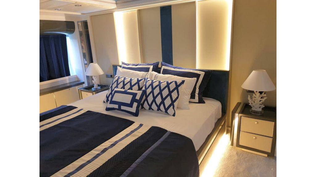 Vetro Motor Yacht Lower Deck Aft Cabin 80