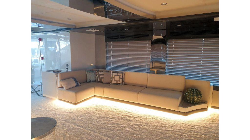 Vetro Motor Yacht Main Saloon 64