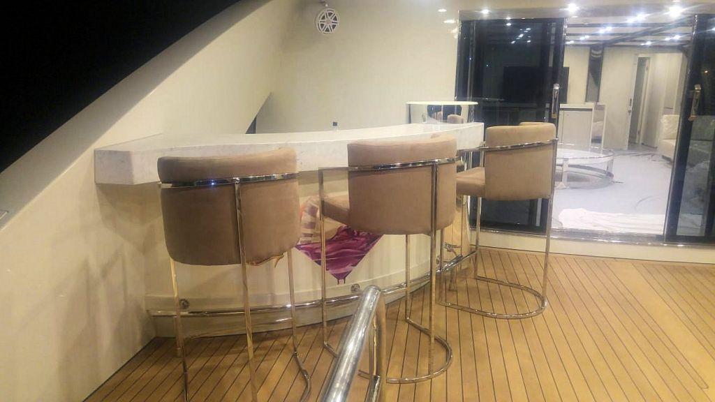 Vetro Motor Yacht - Upper Deck 7