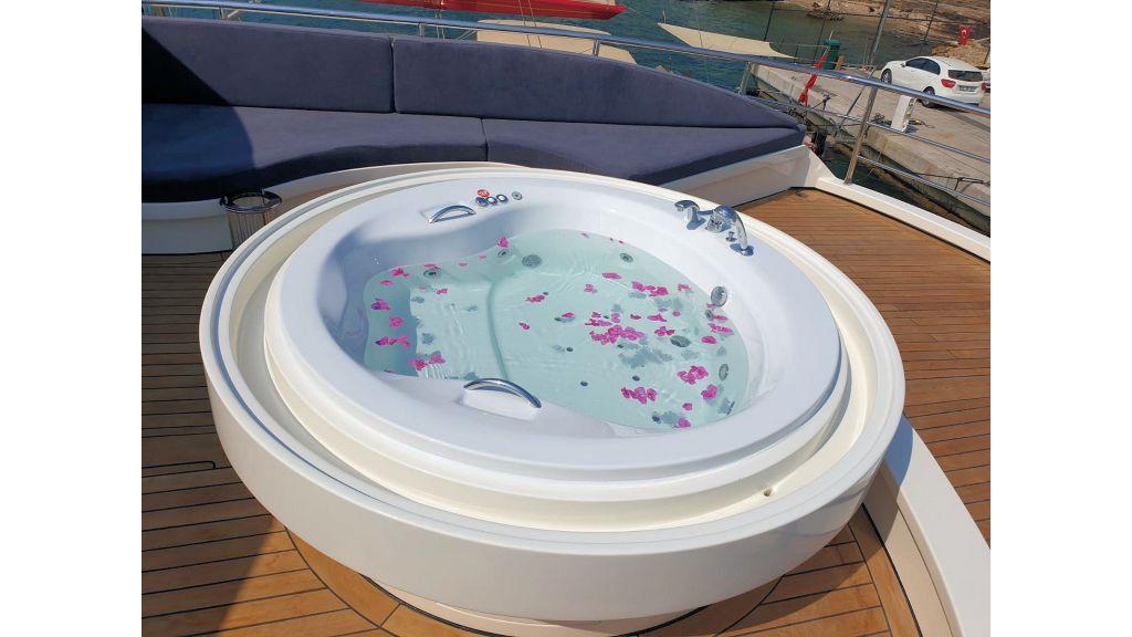 Vetro Motor Yacht - Upper Deck Jakuzi 56