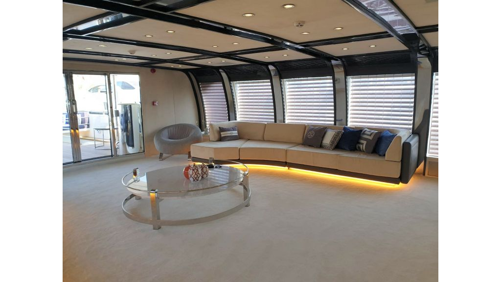 Vetro Motor Yacht - Upper Saloon 18