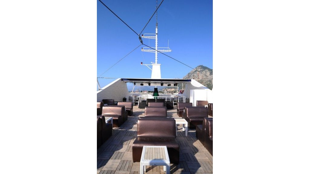 daily-excursion-yacht-48