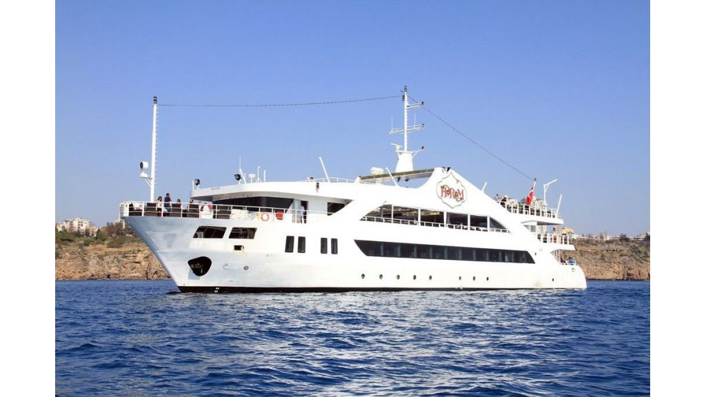 daily-excursion-yacht-82