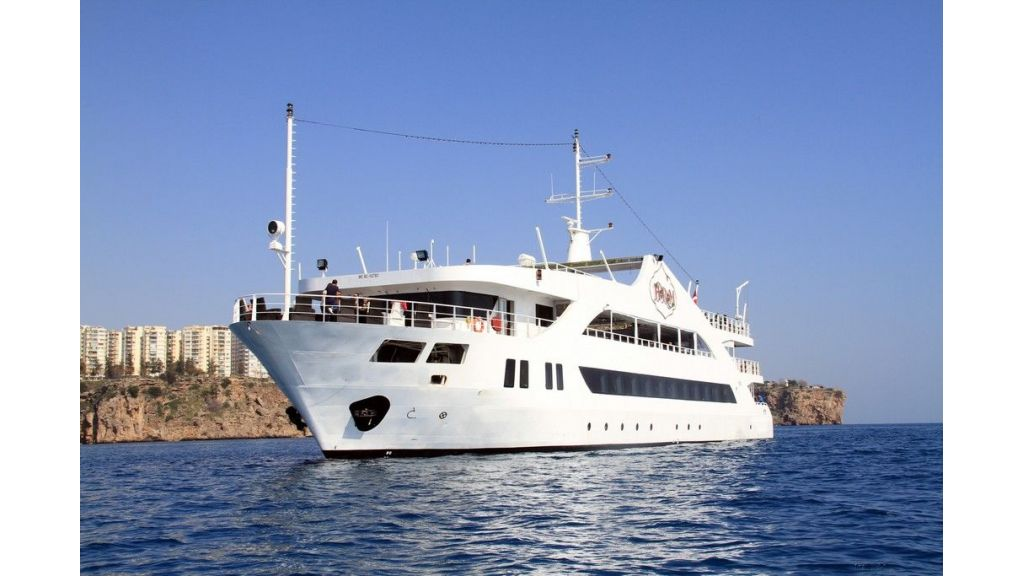 daily-excursion-yacht-83