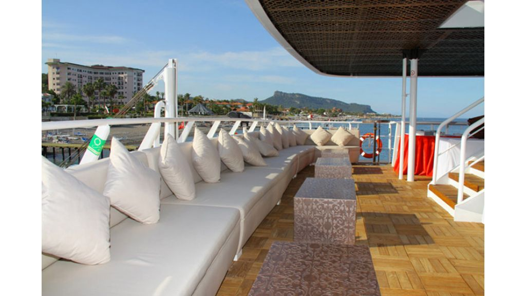 Daily Excursion Yacht (6)