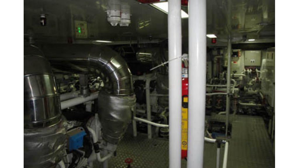 RODRIQUEZ 38 m Motoryacht (15)