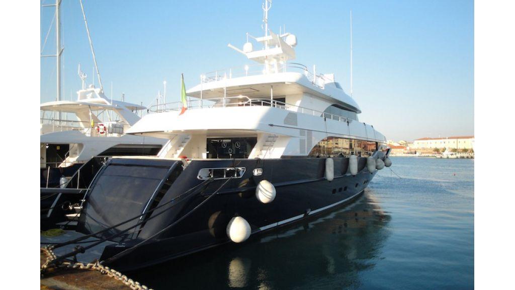 RODRIQUEZ 38 m Motoryacht (17)
