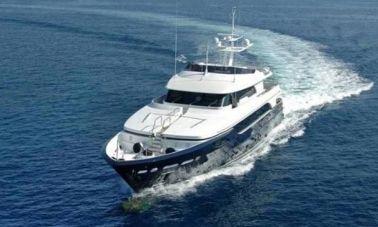 RODRIQUEZ 38 m Motoryacht (19)