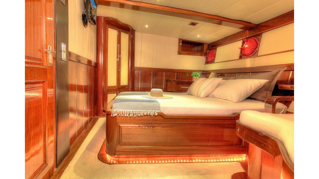 36 M Transom Gulet for sale (12)