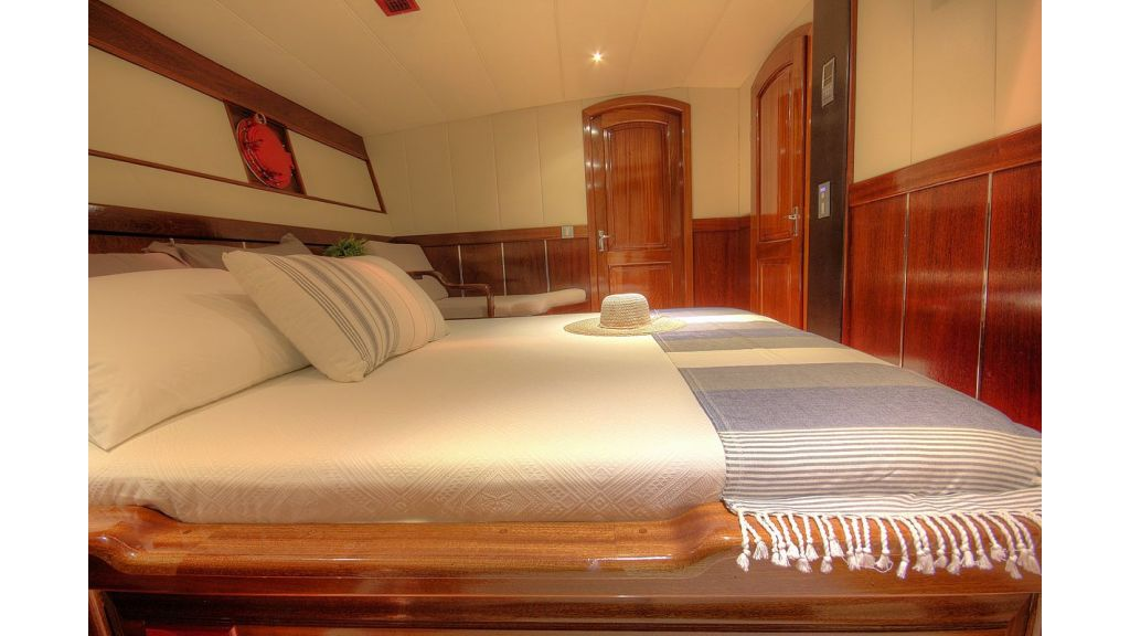 36 M Transom Gulet for sale (13)
