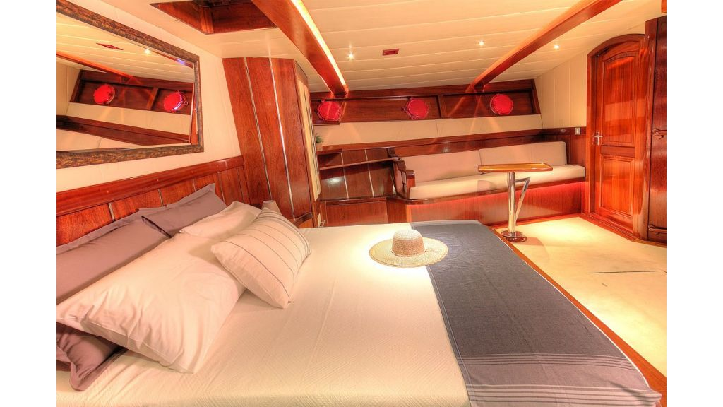 36 M Transom Gulet for sale (5)