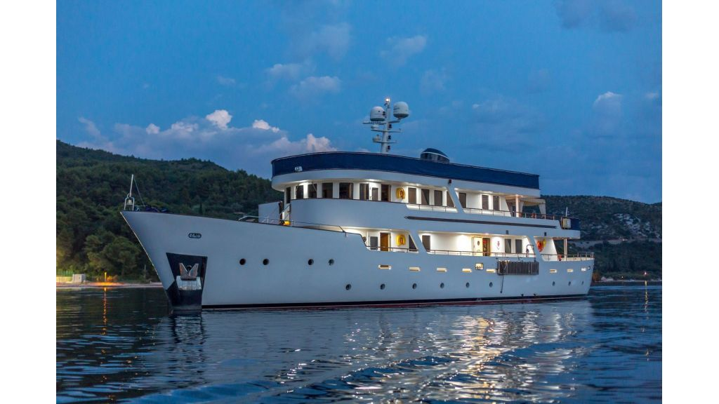Motor Yacht Donna Del Mare (4)