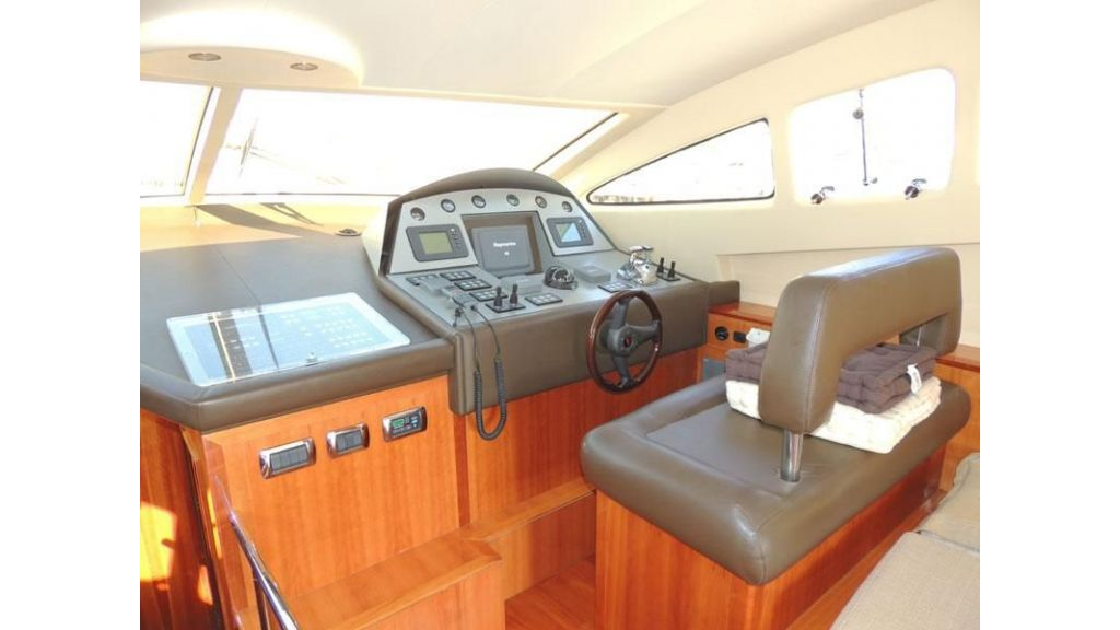 Aicon 54 For charter yacht  (9)