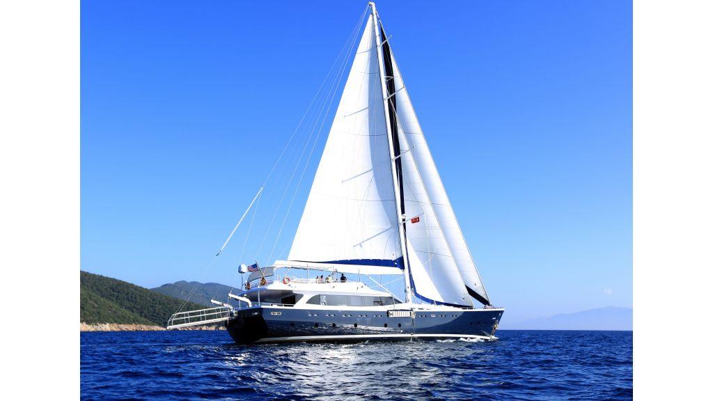 Gulmaria sailing yacht (39)