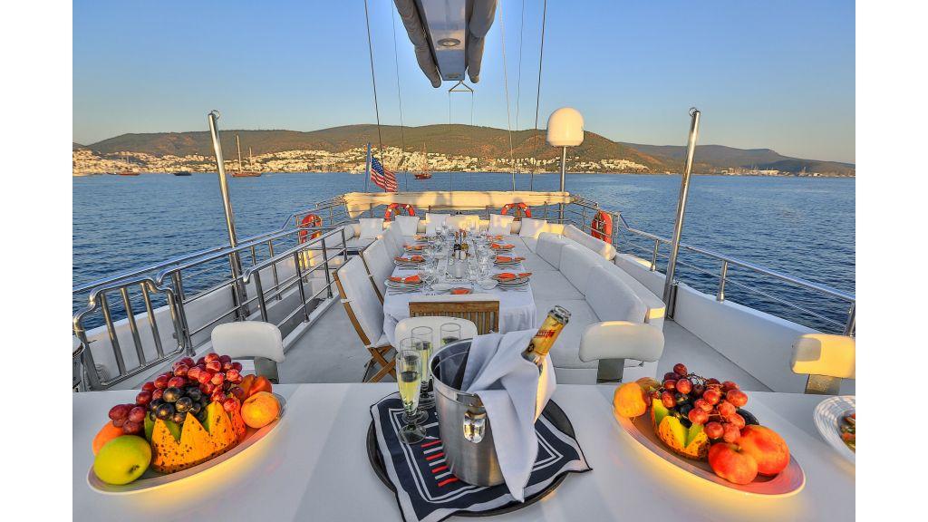Gulmaria sailing yacht-master