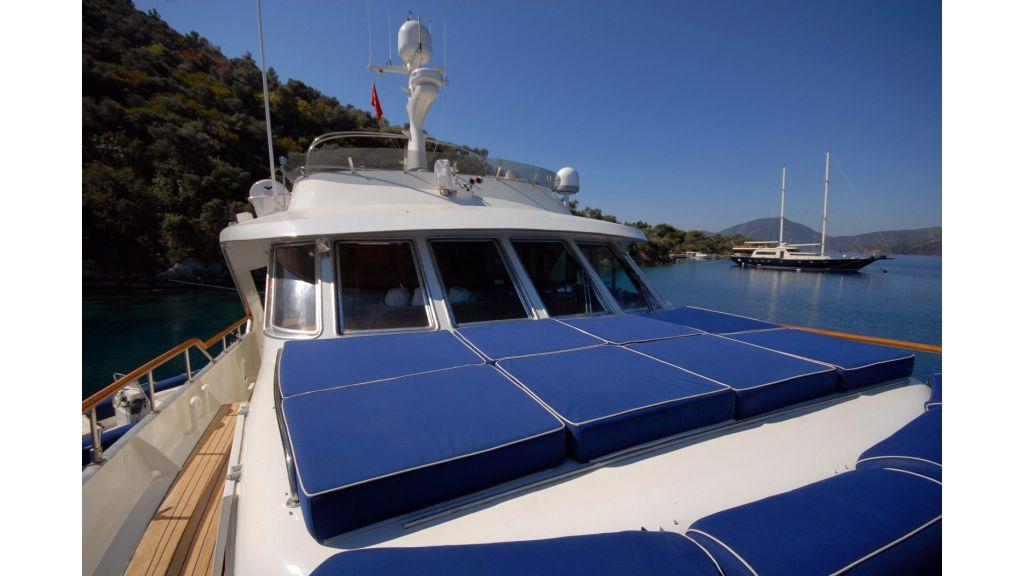 Caressa-benetti motor-yacht-master