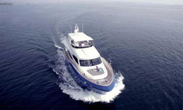 Anemos yacht master