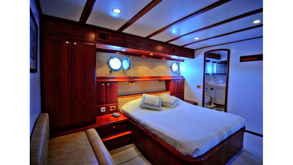 Custom Line Classic yachtryacht