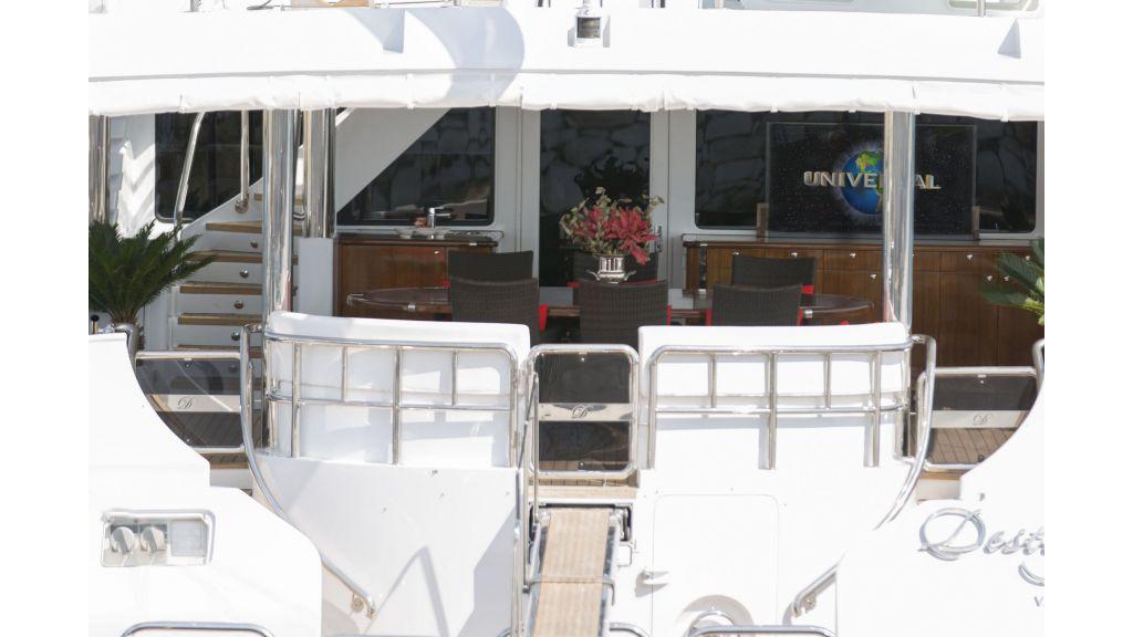 40-m-aluminium-hull-motor-yacht-26