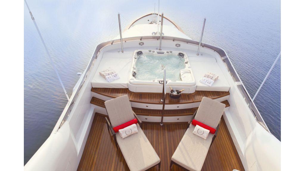 40-m-aluminium-hull-motor-yacht-39
