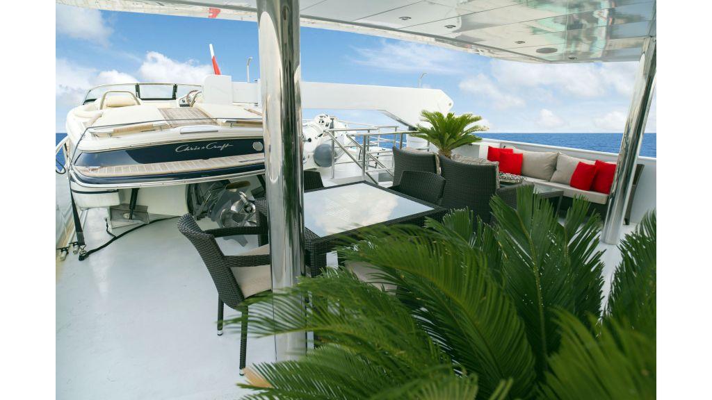 40-m-aluminium-hull-motor-yacht-43