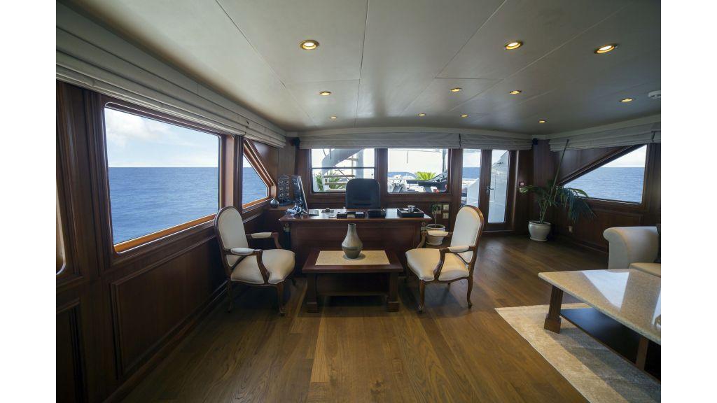 40-m-aluminium-hull-motor-yacht-44