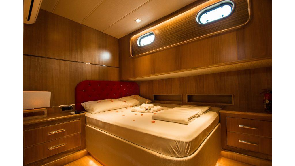 Babosch-Motor-Yacht master