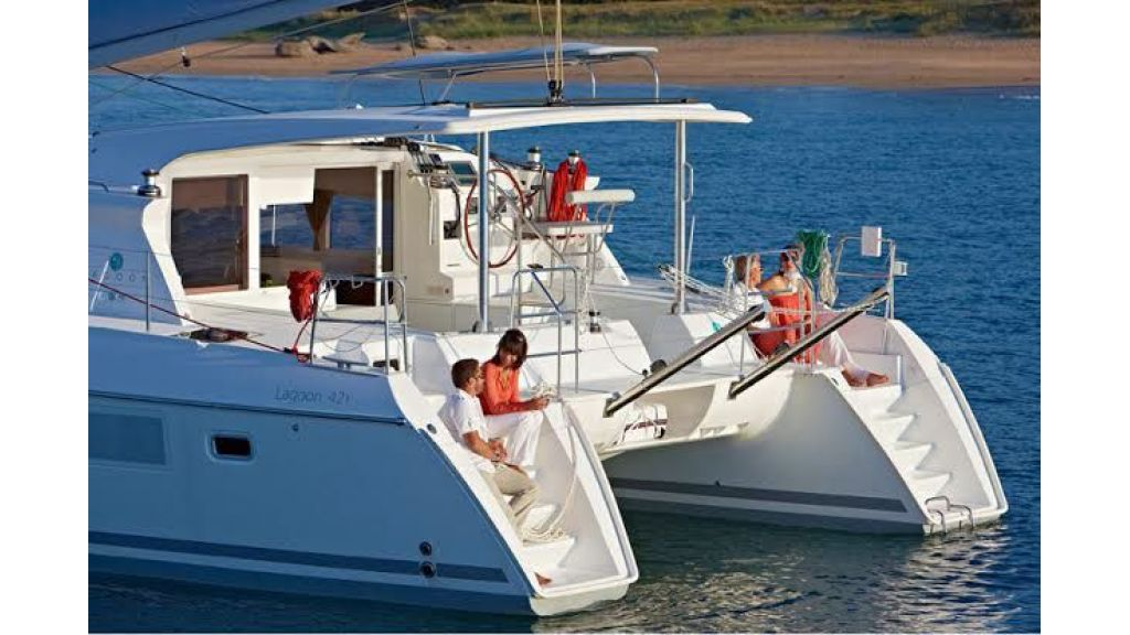 Lagoon 421 Catamaran (11)