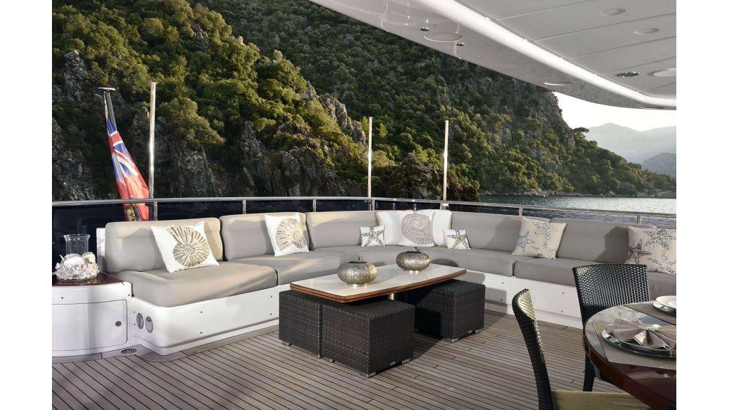 Motor Yacht QuestR (11)