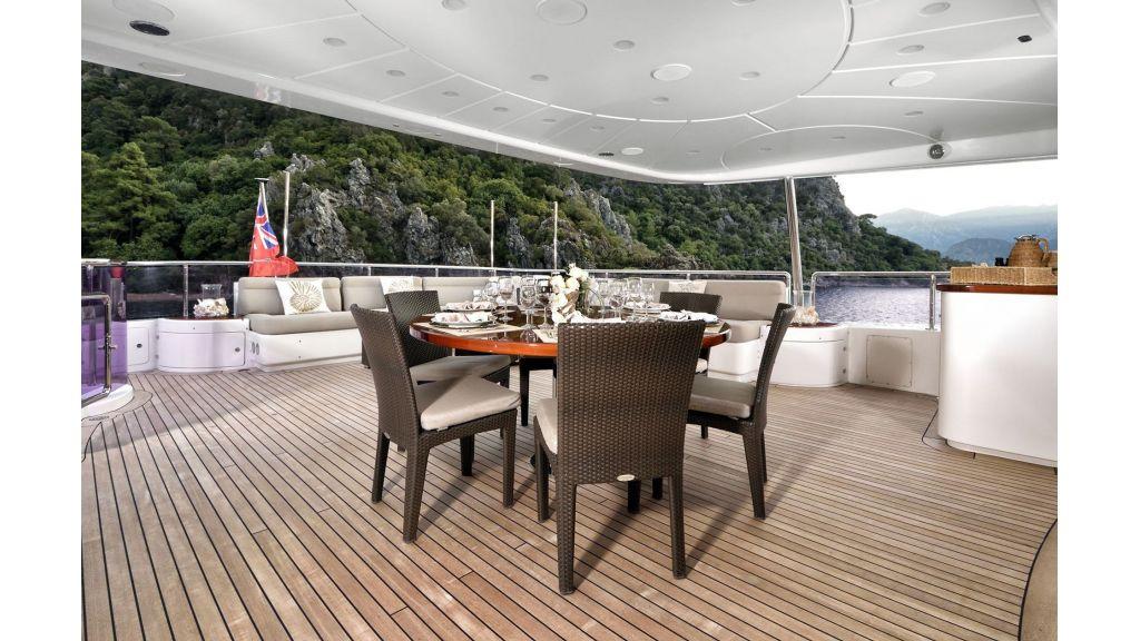 Motor Yacht QuestR (12)