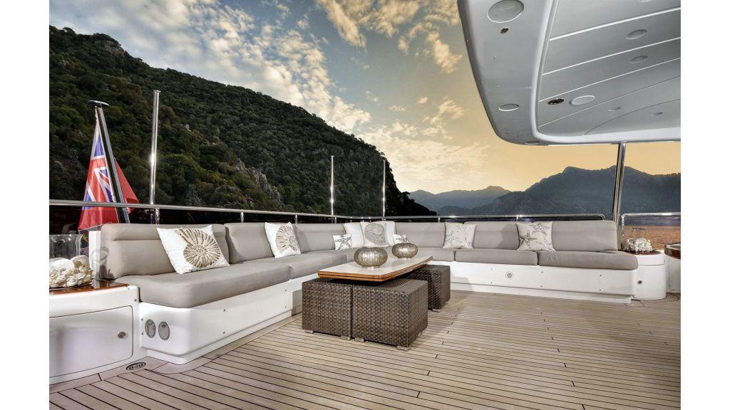 Motor Yacht QuestR (13)