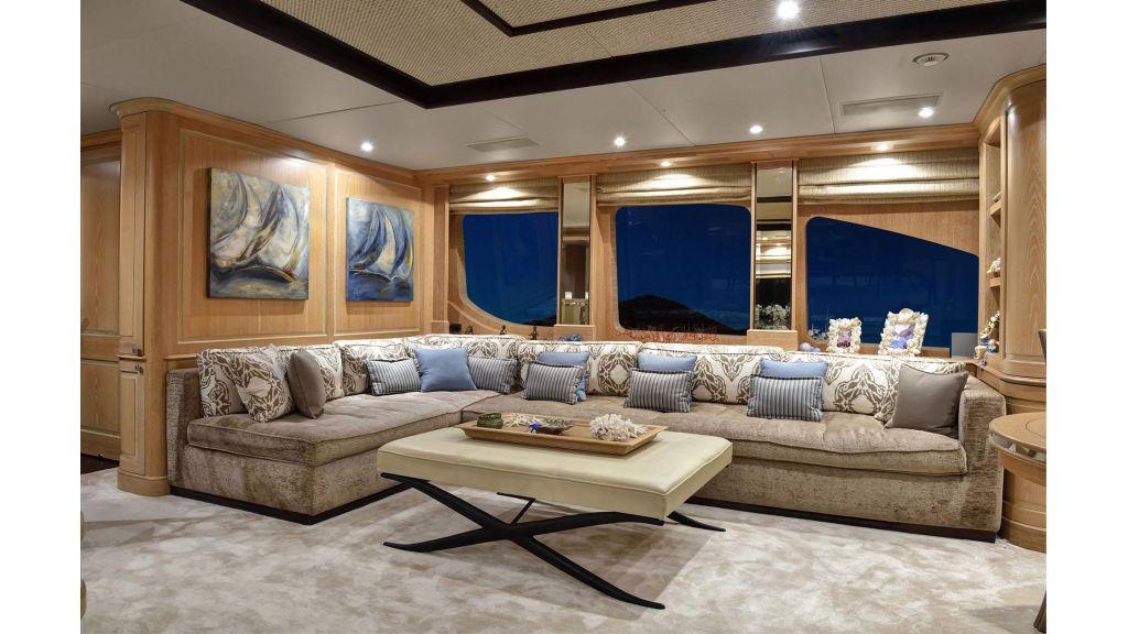 Motor Yacht QuestR (15)