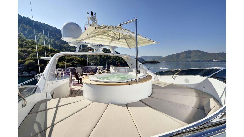 Motor Yacht QuestR (19)