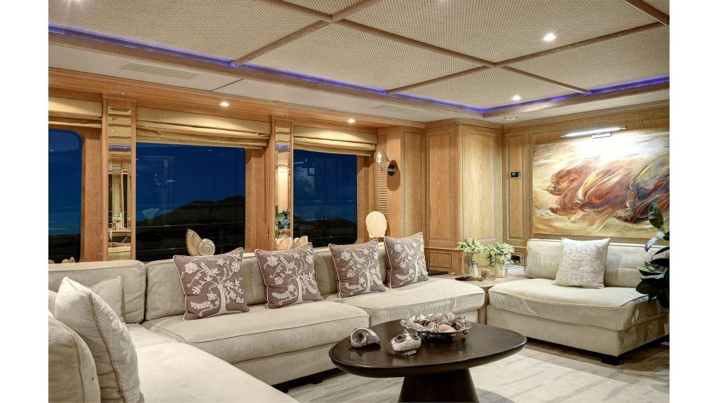 Motor Yacht QuestR (28)