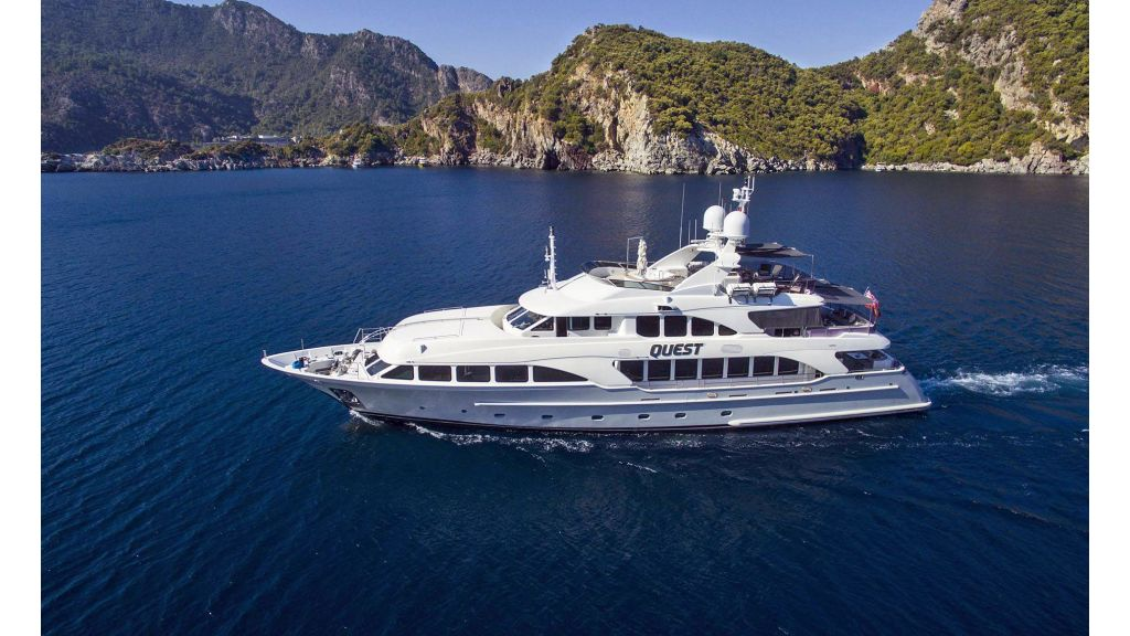 Motor Yacht QuestR (29)