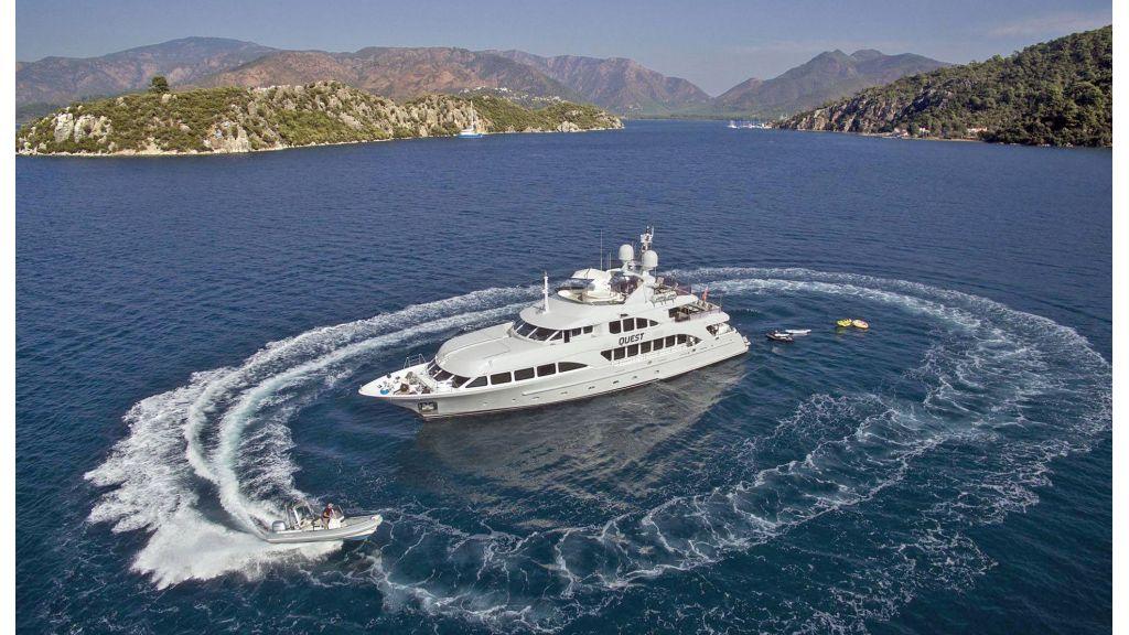 Motor Yacht QuestR (33)