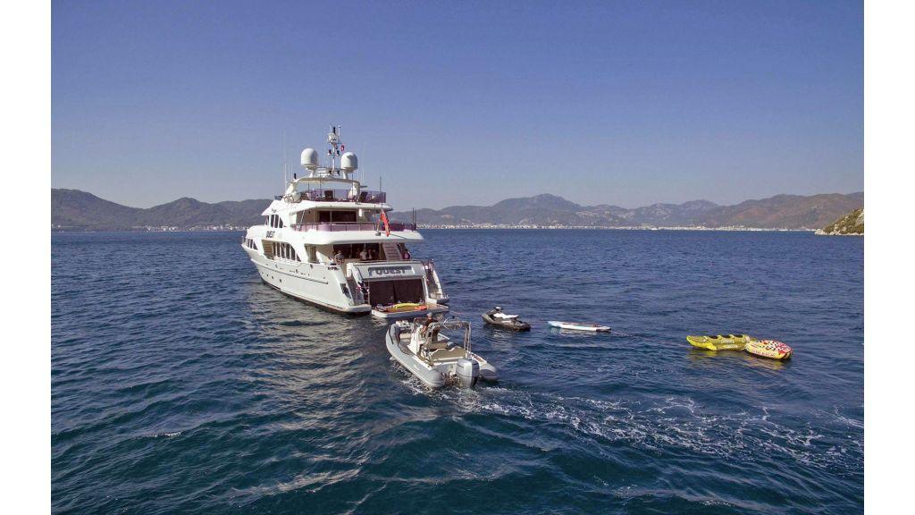 Motor Yacht QuestR (34)
