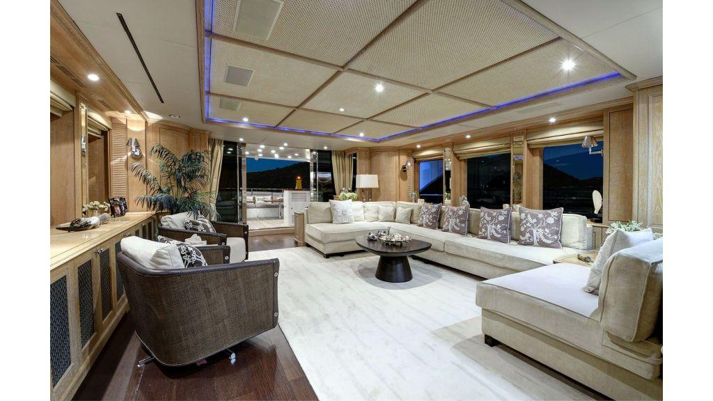 Motor Yacht QuestR (5)